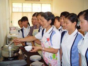 Tuyển giúp việc Đài Loan